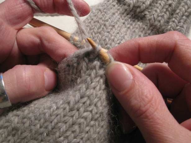 How To Knit A Basic Mitten   Part 2   Espace Tricot Blog