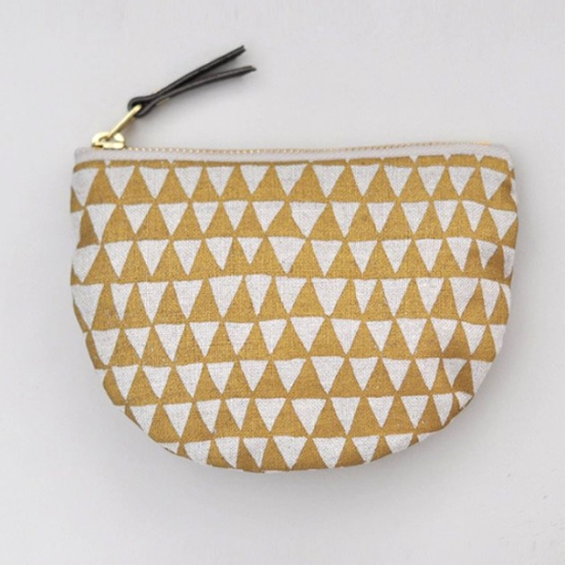 bookhou_pocket_pouch_gold_triangle