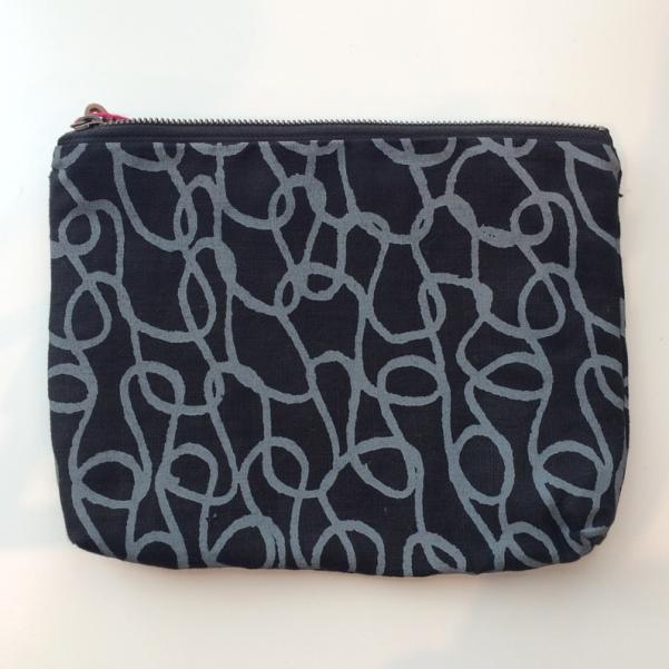 bookhou_large_pouch_knit_stitch_on_black