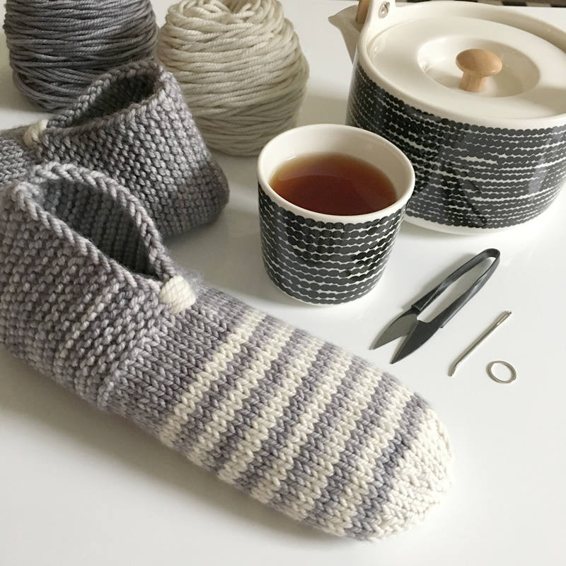 Free Pattern Friday Simple House Slippers Again Espace Tricot Blog