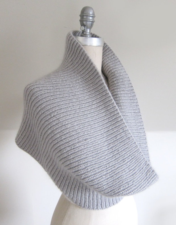 On The C Train Cowl A New Free Pattern From Espace Tricot