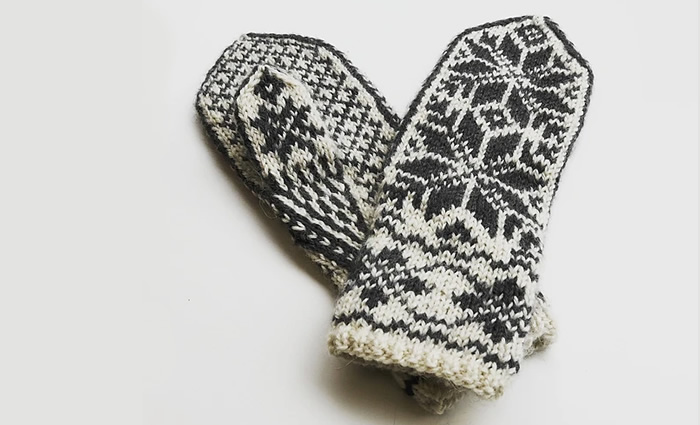 403b2a28ec59 Get started with stranded colourwork knitting with this pair of classic  Norwegian-style mittens. A perfect project for tackling the basics of  colourwork